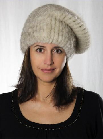 http://mafourrure.com/10014/bonnet-urban-en-fourrure-de-vison-tricoté-et-renard.jpg