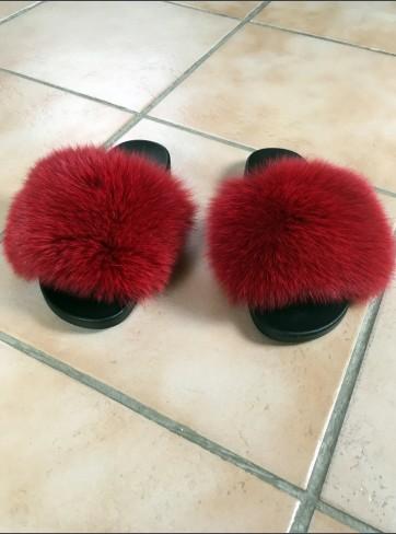 http://mafourrure.com/10575/slippers-en-fourrure-de-renard-saga.jpg